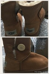 Kids chestnut Ugg boots size 10 in Bolingbrook, Illinois