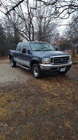 2004 Ford F250 Crew Cab 4x4 Lariet in Fort Leonard Wood, Missouri