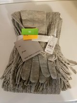 Scarf/glove set **new** in Vacaville, California