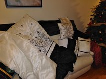 king size black and white comforter in Fort Leonard Wood, Missouri