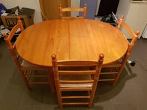 Small Kitchen Table (Extendable) with 4 Chairs in Ramstein, Germany