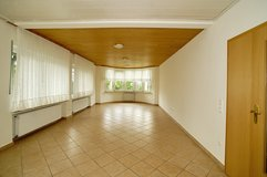 Very spacious & light 6 Bed- / 3 Bath- Apartment with large lawn & patio in Spangdahlem, Germany