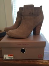 Womens Boots perfect condition worn only once in Fort Knox, Kentucky