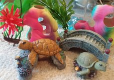 ACCESSORIES FOR FISH TANK in St. Charles, Illinois