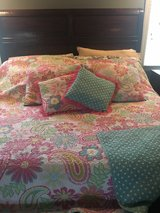 girls full quilt & pillows in Naperville, Illinois