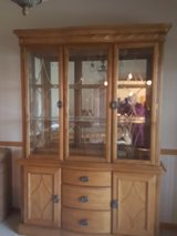 solid oak hutch in Joliet, Illinois