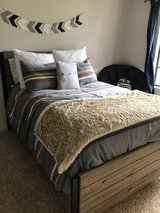 Full size bed & matress in Tomball, Texas