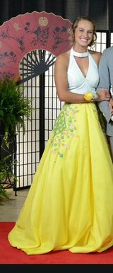 Rachel Allan prom dress in Fort Leonard Wood, Missouri