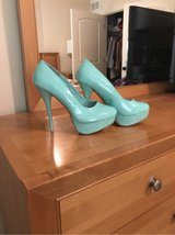 TEAL CHARLOTTE RUSSE HEALS - SIZE 8 in Oswego, Illinois