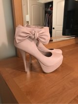 CHARLOTTE RUSSE PALE PINK HEELS - SIZE 8 in Naperville, Illinois