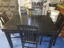 Dining Table in Fort Leonard Wood, Missouri