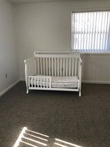 Beautiful crib with mattress in Camp Lejeune, North Carolina