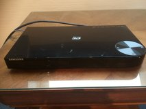 Samsung 3D Blu-ray/DVD Player with 3D GLASSES (X4) in Stuttgart, GE