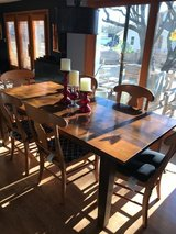 Farmhouse wood dining table, excellent condition in Bolingbrook, Illinois