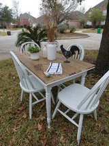 Farmhouse Table and Chairs in Kingwood, Texas