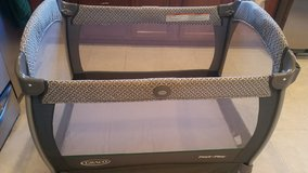 Graco pack n play nearby napper - Portable, With Changing Station, With Bassinet, Freestanding in Bartlett, Illinois