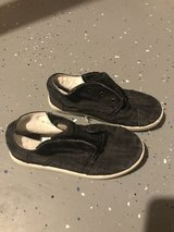 Boy Size 11 Toms in Chicago, Illinois