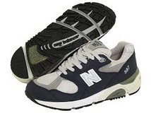 NEW BALANCE USA model 587 running shoes; classic; men's size 9.5 medium not wide in Okinawa, Japan