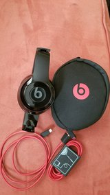 Beats Solo3 Wireless Headphones in Lexington, Kentucky
