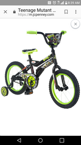 "Boys 16"" TMNT Bicycle w Training Wheels in Vacaville, California"