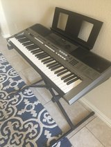 Keyboard Yamaha PSR-E443 in The Woodlands, Texas