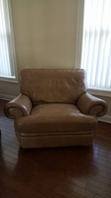 Haverty's oversized leather recliner in Beaufort, South Carolina