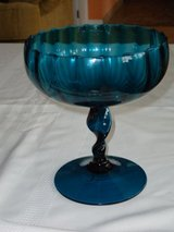 "8""H twist stem pedestal bowl in Oswego, Illinois"