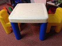 Little Tikes table & 2 chairs in Shorewood, Illinois