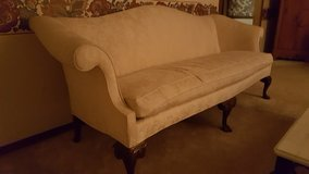 antique couch in Bartlett, Illinois