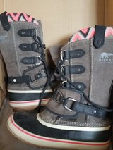Sorel Joan of Arctic Snow Boots 9.5 womens in Plainfield, Illinois
