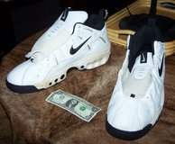 SIZE 20 Nike Shoes in Naperville, Illinois
