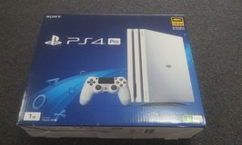 PlayStation 4 Pro PS4 1TB Console White Destiny 2 Bundle+White Controller in Chicago, Illinois
