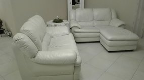 2X 2 Seater real leather couch with hocker in Wiesbaden, GE