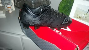 Men soccer cleats size 7 new condition in Bolingbrook, Illinois