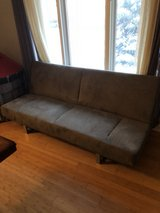 gray sofa/ pull out bed in Yorkville, Illinois