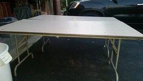 Used 6ft table in New Lenox, Illinois