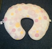 Boppy pillow like new w extra cover in Ramstein, Germany