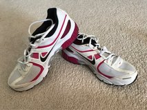 Women's Nike size 10 in Plainfield, Illinois