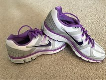 Women's Nike shoes 10 in Plainfield, Illinois