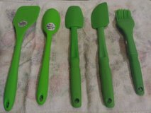 5 LIME GREEN Silicone Utensil Kitchen Set in Travis AFB, California