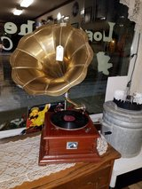 Reproduction Victor 78rpm record player in Fort Leonard Wood, Missouri