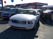FORD MUSTANG AUTO COLD AIR LOW MILES ~REDUCED~ in Camp Lejeune, North Carolina