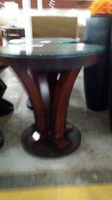 GLASS END TABLE in Camp Lejeune, North Carolina