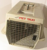 Petmate Brand Pet Taxi, Pet Carrier, Dog Carrier, Cat Carrier, Kennel in Aurora, Illinois