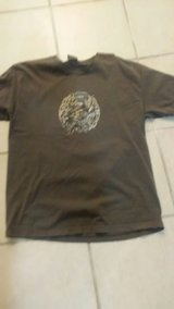 men's size large t-shirts in 29 Palms, California