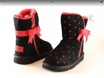 Girls Toddler uggs boots Disney Minnie Mouse sz 10 in New Lenox, Illinois