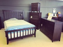 *ACT FAST*FULL BEDROOM SET*INCLUDING THE BED, DRESSER, CHEST AND NIGHTSTAND in Fort Campbell, Kentucky