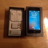Apple iPhone 5,64gb Factory Unlocked in Wiesbaden, GE