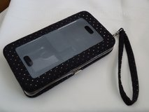 cel phone wristlet/wallet in Glendale Heights, Illinois