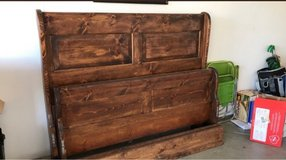 Wood bed frame queen in San Bernardino, California